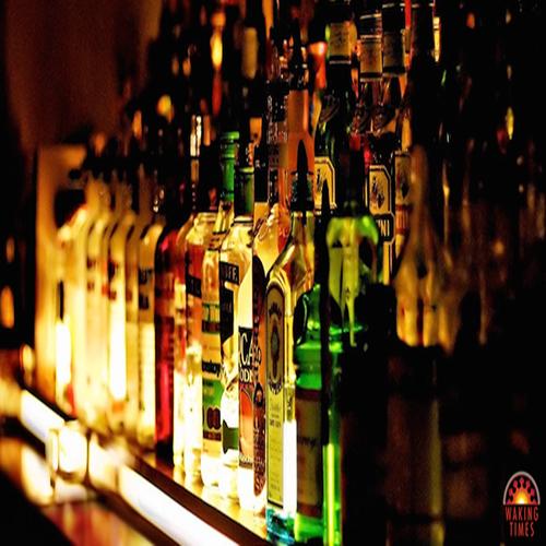 Liquor-Bottles-Alcohol-BarMain